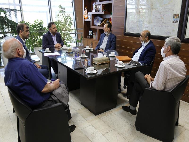 نشست مدیر منطقه با اعضای هیأت مدیره انجمن صنفی انبوه سازان