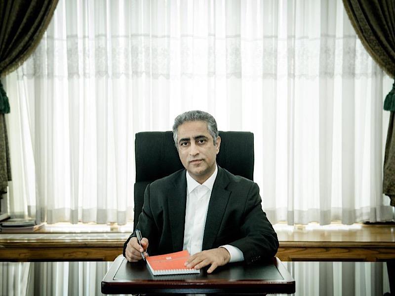 تبریک مدیرعامل بانک مسکن به نماینده ولی فقیه در بنیاد مسکن انقلاب اسلامی